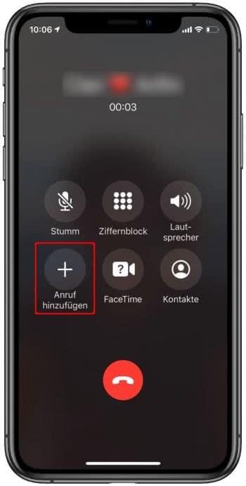 """Auf """"Anruf hinzufügen"""" tippen, um Telefonkonferenz auf dem iPhone zu starten"""
